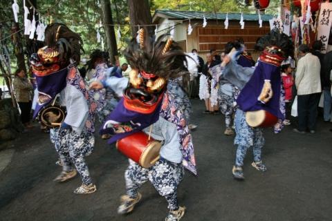 浦山の獅子舞の画像
