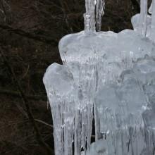 尾の内の氷柱06