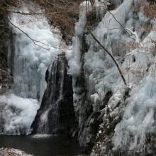 尾の内の氷柱02