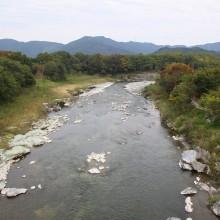 金石水管橋紅葉
