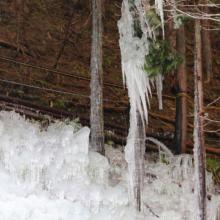 久月氷柱の画像
